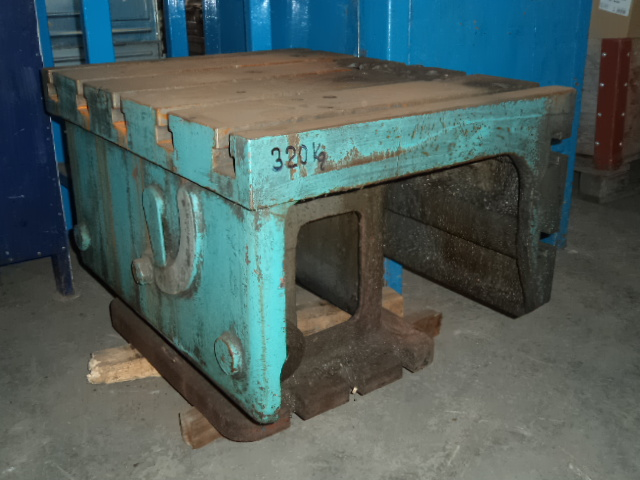 081. Cast iron clamping cube